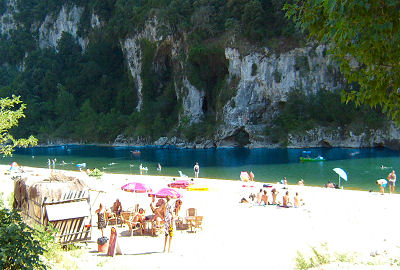 Camping Ardèche Midi Camping étoiles à VallonPontdArc - Camping a vallon pont d arc avec piscine